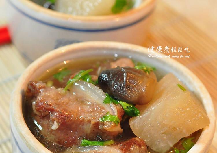 排骨排骨炖萝卜酥汤特别想吃草菇图片