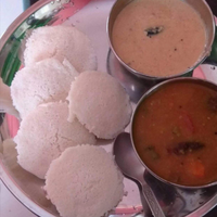 Suji ki idli sambhar and coconut chutni