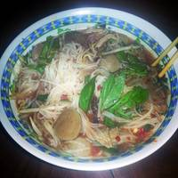 Pho (special beef noodle soup)