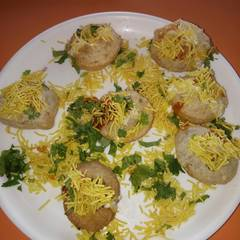Cooksnap for Sev Dahi Puri Chat