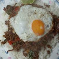 Thai basil and chilli minced beef with an egg (Phat Kaphrao)