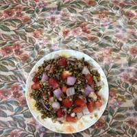 Sprouted lentils alu chat
