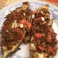 Turkish stuffed aubergines with beef and tomatoes (Karniyarik) 🇹🇷