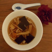 Spicy Soup with Enoki Mushrooms and Wakame Seaweed