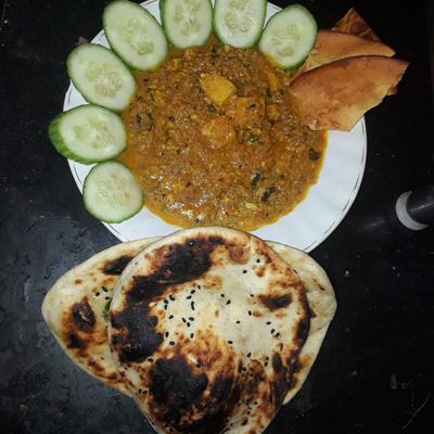 Shahi paneer with naan