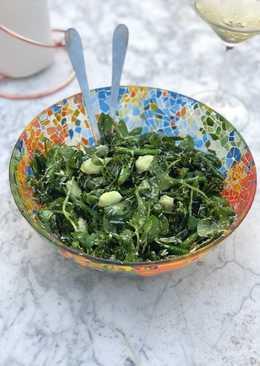 Broadbean, broccoli, pea shoot and Parmesan salad 🥗