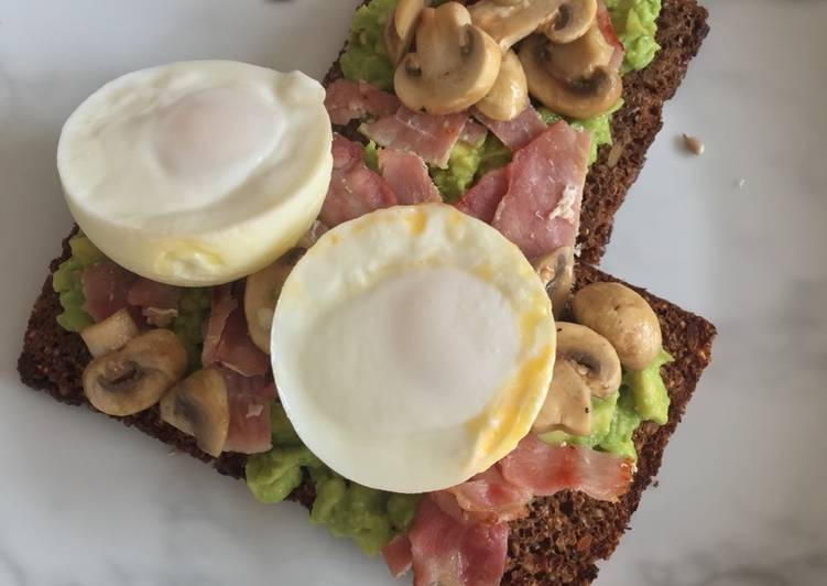 Poached Egg, Bacon, Mushroom & Smashed Avocado Rye Bread
