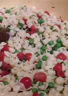 Pasta salad with peas and tomato