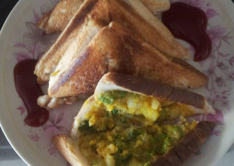 Matar aloo grill sandwich