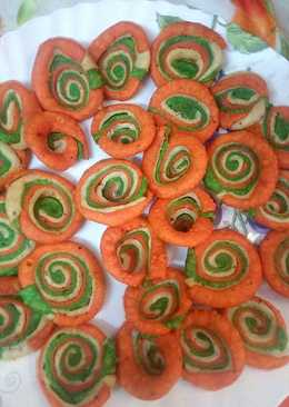 Swirl colourful masala mathri