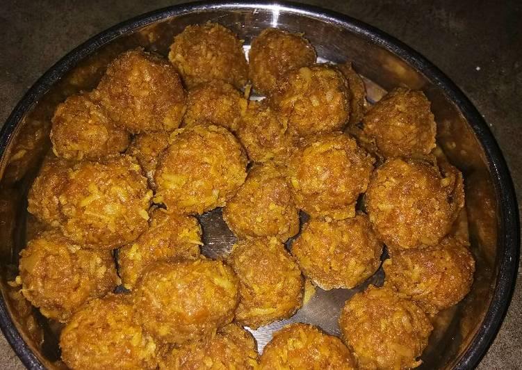 Bengali style coconut laddu Recipe by Meena Dutt - Cookpad