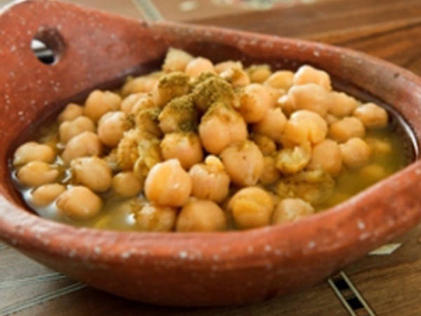 Warm chickpeas and cumin salad - balila