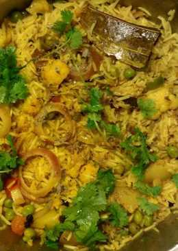 Spicy vegetable biryani