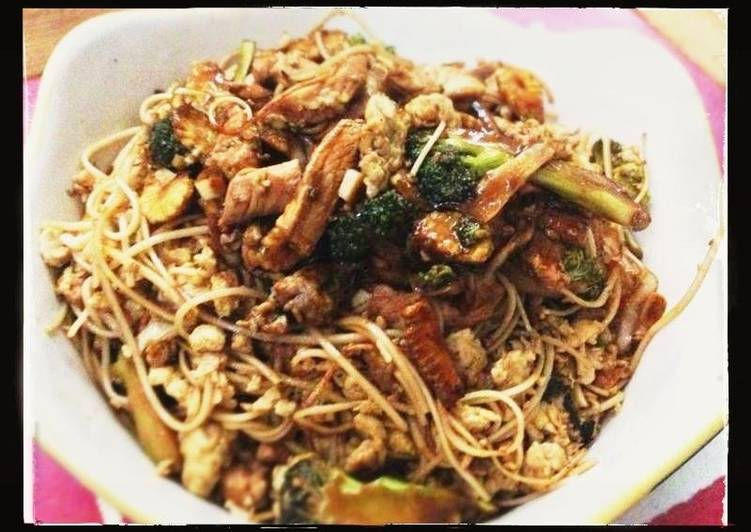 Broccoli and Chicken in Oyster-Soy Sauce with Shredded Egg Noodles