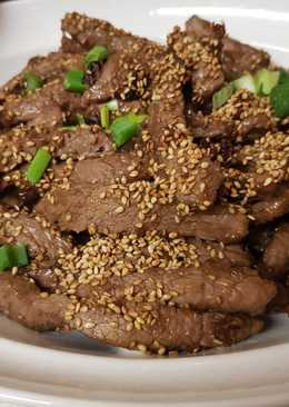 My Crispy Sweet Chilli Beef Salad. With Toasted Sesame seeds 😀