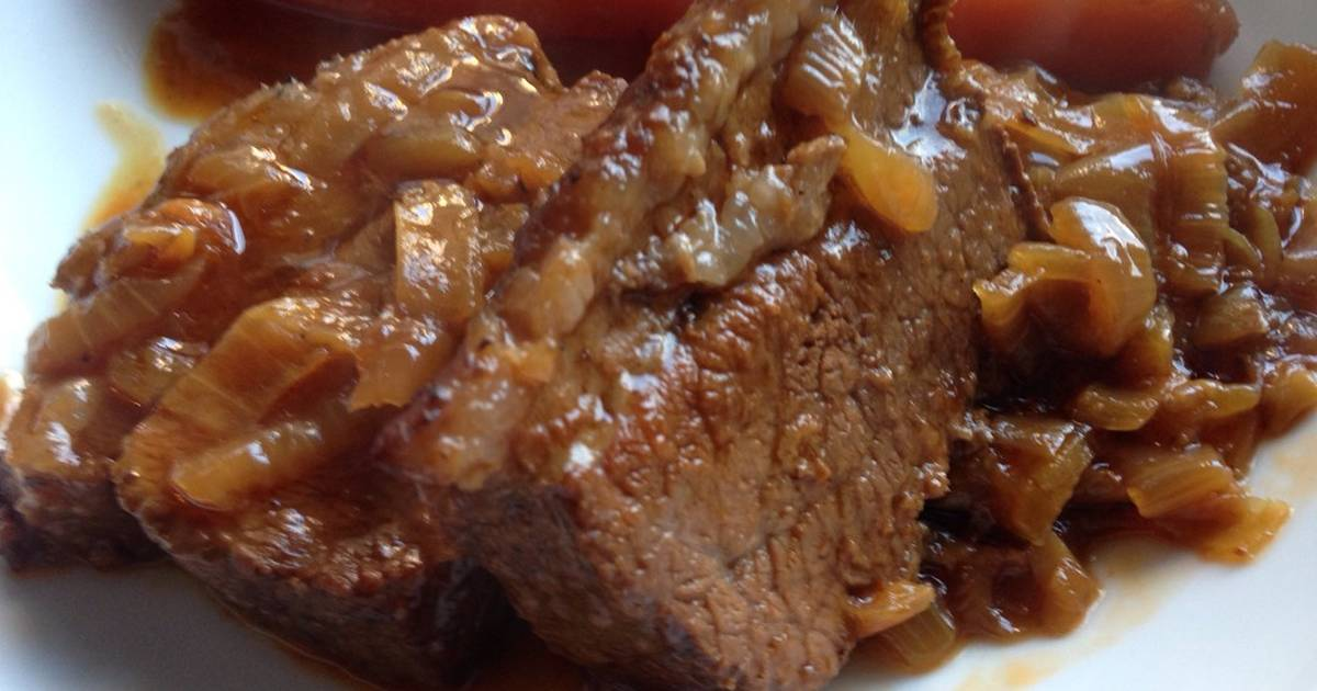 Slow Cooked Beef Brisket with Onions Recipe by Joanne - Cookpad