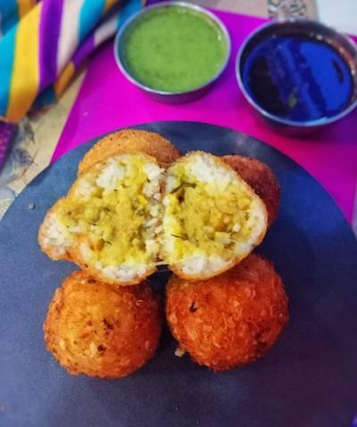 Cheese Aranchini Samosa Balls