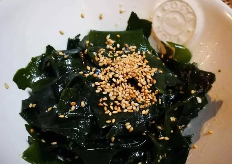 Miso Wakame Salad