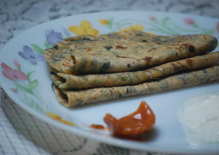 Methi(Fenugreek leaves) Paratha