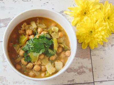 Chickpea & Almond Curry