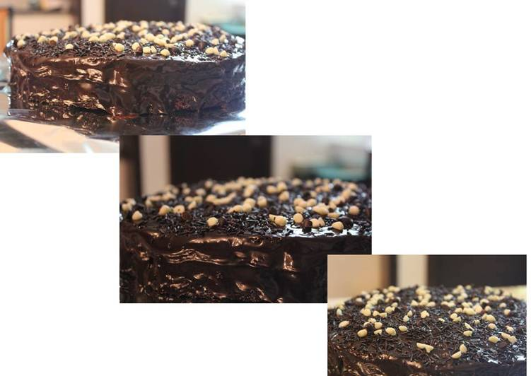 Dark Chocolate Brownie Cake