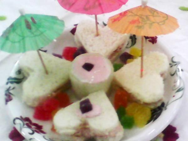 Fruit delight sandwich