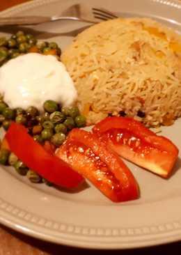 Egg-fried rice with crispy peas