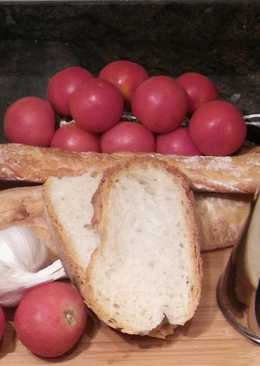 Bread rubbed with Tomato - Pa amb tomaquet