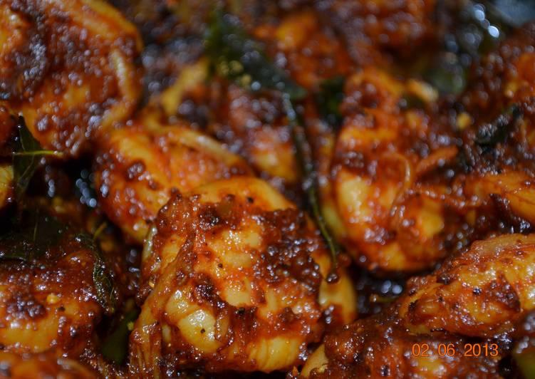 Saucum Chemmeenum (Sauce & Prawns)
