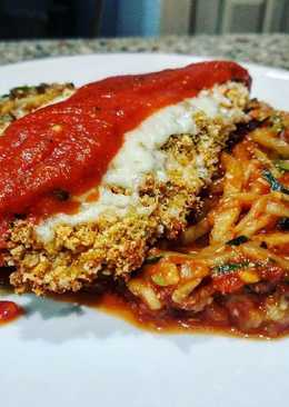 Chicken Parmesan with Zucchini Spaghetti (Low-Carb)