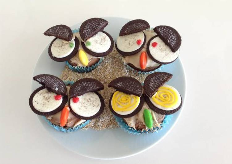 Owl cupcakes with Oreos for Halloween Recipe by cookingwithsmiles
