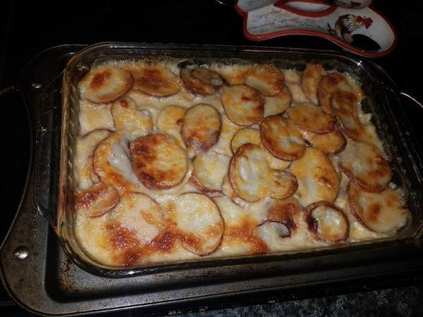 Scalloped potatoes with onions