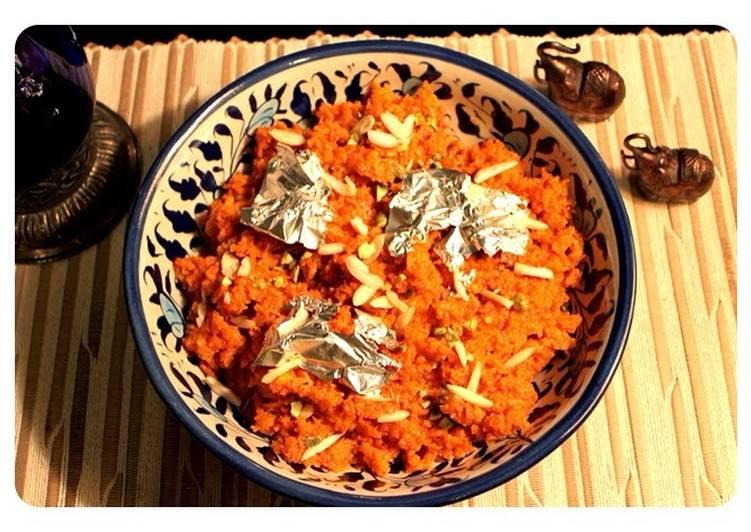 Gajjar Ka Halwa - Pakistani Carrot Halwa