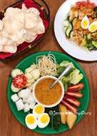 Gado Gado (Indonesian Salad with Peanut Dressings)