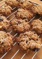 Crunchy cookies with cashew nuts and cranberries 🍪