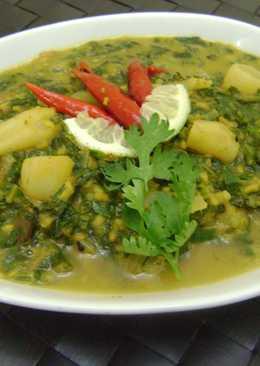 Mulo Shaag diye Bhaja Muger Dal (Radish Leaves Moong Dal Curry - Bengali Style)