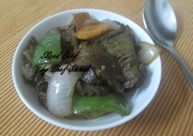 Sliced beef with capsicum