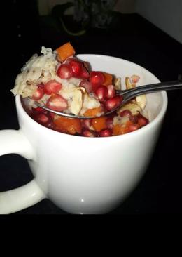 Oats in coffee mug. easy 2 min breakfast