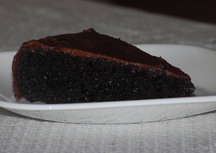 Eggless Moist Chocolate Cake