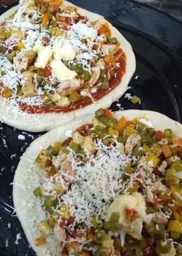 Chicken mix veg pizza