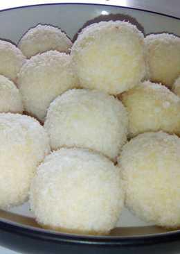 Coconut Ladoos / Balls