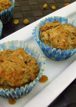 Eggless Banana & Raisins Muffins