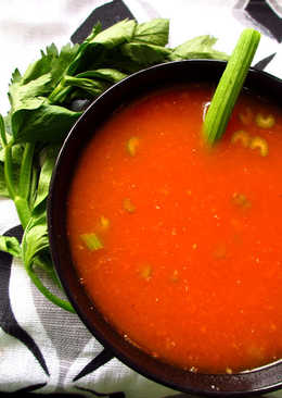 Simple Healthy Tomato-Celery Soup