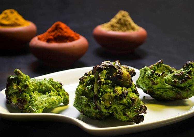 Hariyali Chicken Tikka Recipe by Sandhi Ra - Cookpad