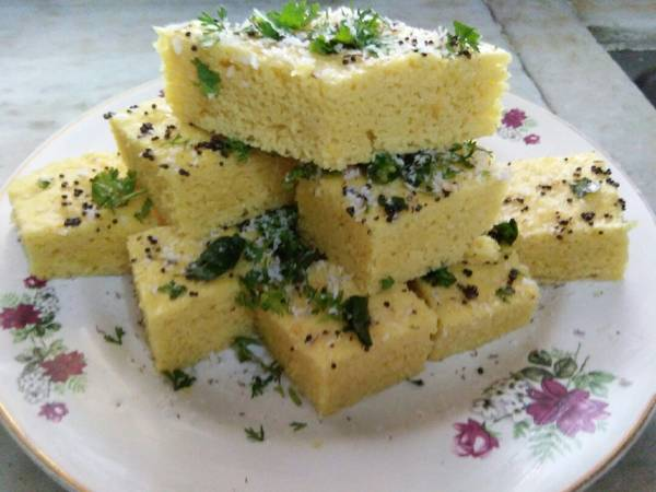 Gujarati famous snacks, Dhokla