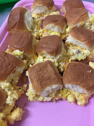 Ham egg and cheese sliders