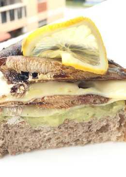 Avocado With Kieler Sprat And Swiss Cheese Sandwich