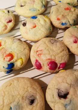 Easy cake mix M&M cookies