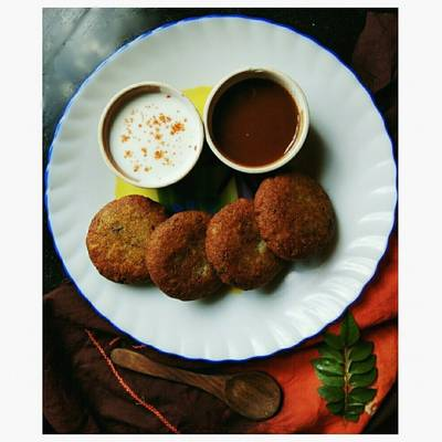 Aloo tikki stuffed with cottage cheese