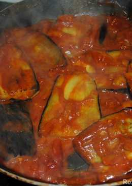 Eggplatns onions with tomato sauce